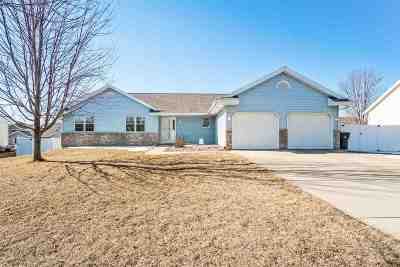 Deforest Single Family Home For Sale: 337 Country Clover Dr