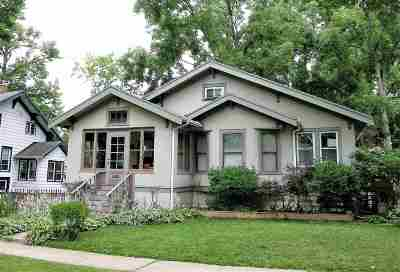 Walworth County Single Family Home For Sale: 614 McDowell St