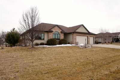 Waunakee Single Family Home For Sale: 4961 Meadow Side Ln