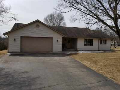 Pardeeville Single Family Home For Sale: W5749 Haynes Rd