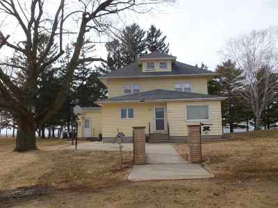 Iowa County Single Family Home For Sale: 8899 Brue Rd