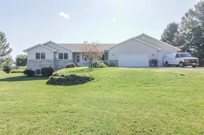 Stoughton Single Family Home For Sale: 2620 County Rd. W