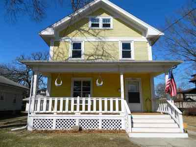 Beloit Single Family Home For Sale: 1220 Central