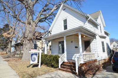 Madison Single Family Home For Sale: 209 Division St