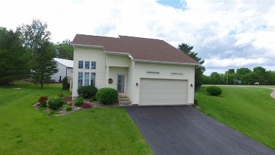 Iowa County Single Family Home For Sale: 1454 Bea Ann Dr