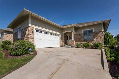 Madison Single Family Home For Sale: 9010 Royal Oaks Cir