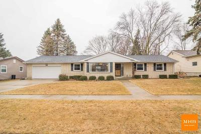 Waunakee Single Family Home For Sale: 308 6th St
