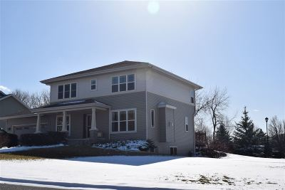 Sun Prairie Single Family Home For Sale: 692 Featherwood Pass