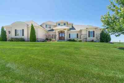 Oregon Single Family Home For Sale: 943 Carnoustie Way