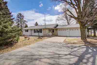 Waunakee Single Family Home For Sale: 5977 Woodland Dr