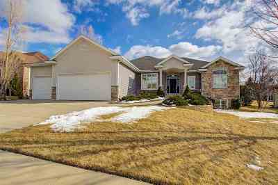 Waunakee Single Family Home For Sale: 516 Skyview Dr
