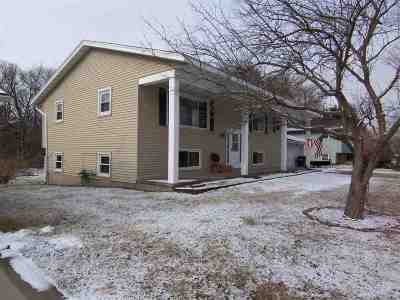 Sun Prairie Single Family Home For Sale: 1025 Sunfield St