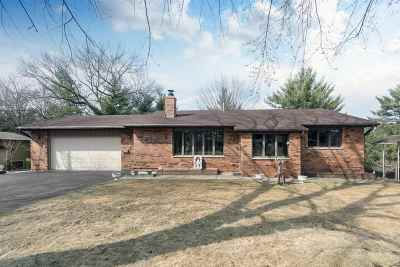 Wisconsin Dells Single Family Home For Sale: 631 E Lake Ave