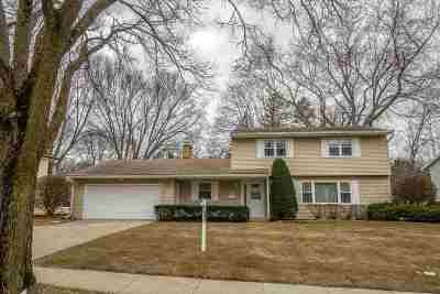 Madison Single Family Home For Sale: 106 Frigate Dr