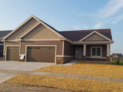 Deforest Single Family Home For Sale: L67 Fountainhead Cir