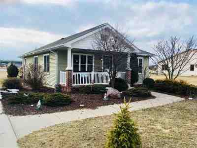 Friendship WI Single Family Home For Sale: $134,900