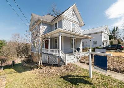 Iowa County Single Family Home For Sale: 315 Pine St