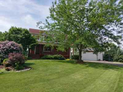 Dane County Single Family Home For Sale: 6734 Parkway Dr