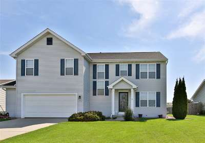 Janesville Single Family Home For Sale: 1518 Wildrose Way