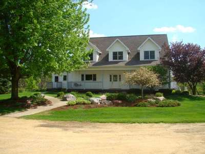 Iowa County Single Family Home For Sale: 2585 S Clay Hill Rd