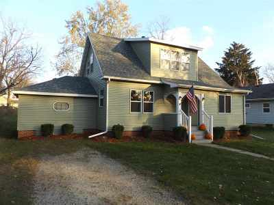 Wisconsin Dells Single Family Home For Sale: 920 Church St