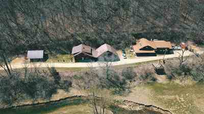 Cassville Single Family Home For Sale: 6140-6146 Brewery Hollow Rd