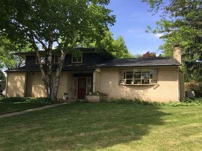 Janesville Single Family Home For Sale: 409 Winnebago Dr