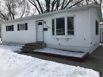 Madison WI Single Family Home For Sale: $189,900