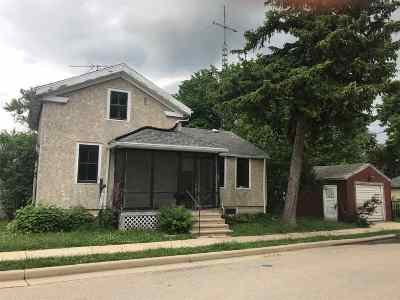 Waterloo Single Family Home For Sale: 345 Pierce St
