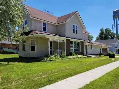 Pardeeville Single Family Home For Sale: 301 Lake St
