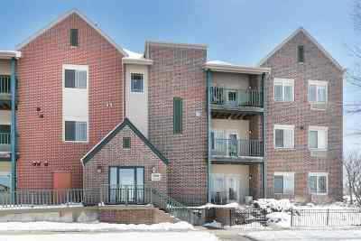Condo/Townhouse For Sale: 1901 Carns Dr #108