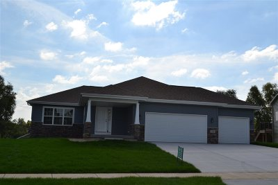 Mount Horeb WI Single Family Home For Sale: $377,900