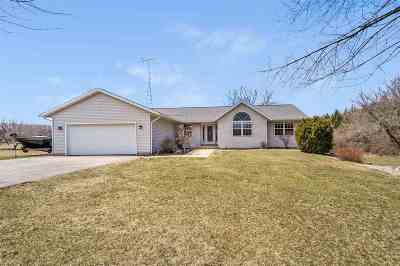 Pardeeville Single Family Home For Sale: N5543 Star Branch Rd