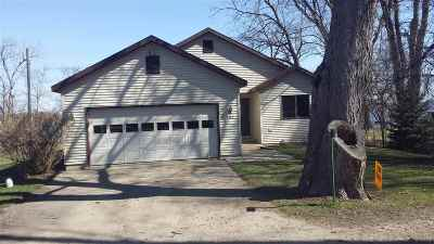 Stoughton Single Family Home For Sale: 3442 Mallard Ave