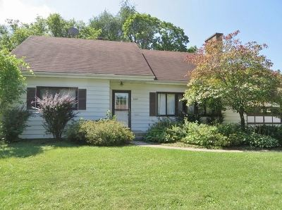 Janesville Single Family Home For Sale: 1612 Eastwood Ave