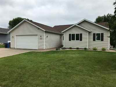 Oregon WI Single Family Home For Sale: $349,000