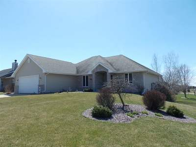 Janesville Single Family Home For Sale: 4002 Windmill Ln