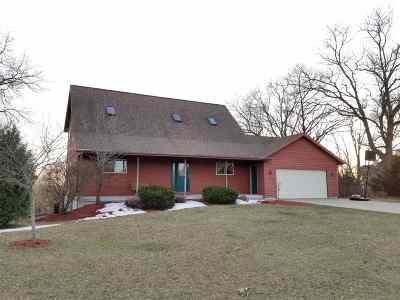 Wisconsin Dells Single Family Home For Sale: S1257 Lost Oaks Ct