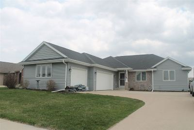 Janesville Single Family Home For Sale: 1132 Summerhill Dr