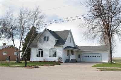 Iowa County Single Family Home For Sale: 1270 Dodgeville St