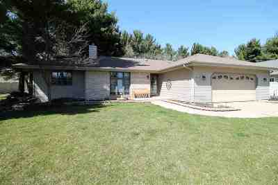 Janesville Single Family Home For Sale: 3605 Candlewood Dr