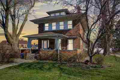 Dodge County Single Family Home For Sale: 210 Park Ave