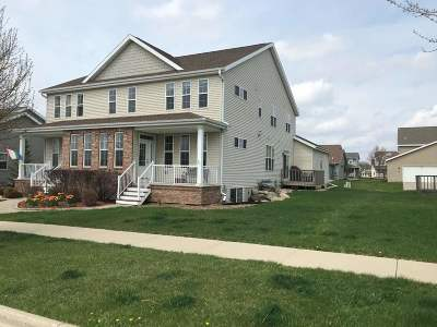 Fitchburg Condo/Townhouse For Sale: 5220 Sassafrass Dr #1