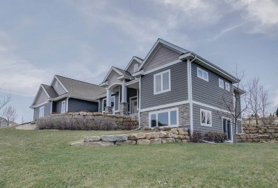 Sun Prairie Single Family Home For Sale: 3407 Whistling Wind Way