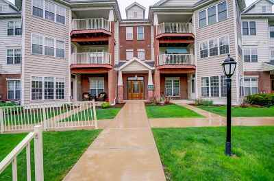 Monona Condo/Townhouse For Sale: 151 Shato Ln #151