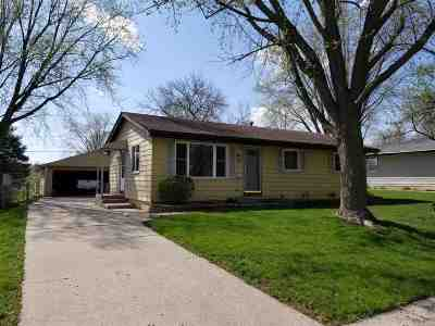 Beloit Single Family Home For Sale: 2104 Masters St