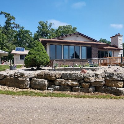 Rock County Single Family Home For Sale: 1734 N Knutson Rd