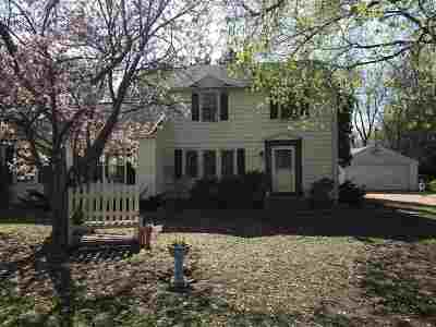 Beloit Single Family Home For Sale: 2060 S Madison Rd