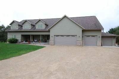 Sauk County Single Family Home For Sale: E4655 Ruetten Dr