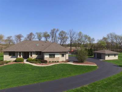 Janesville Single Family Home For Sale: 5610 N County Road F